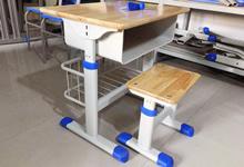 选择与孩子身高相匹配的课桌椅更能保护视力
